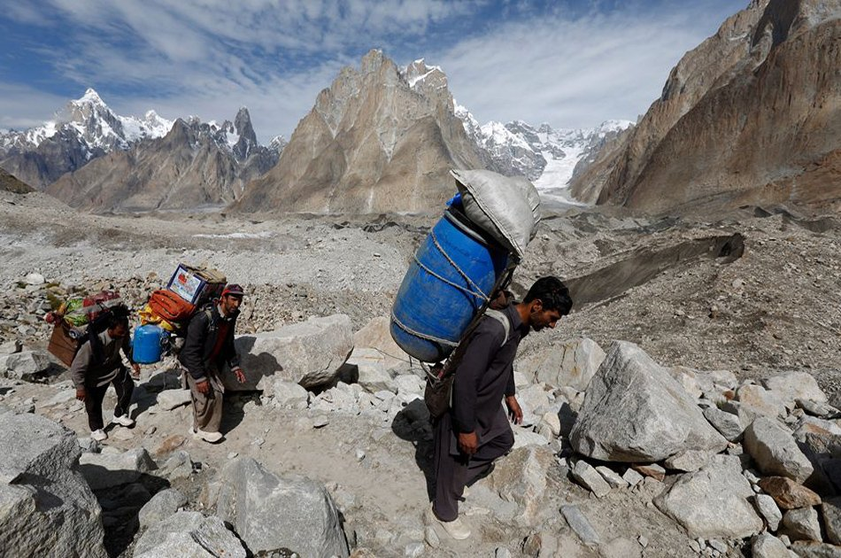 16 Days Battura Glacier Trek Passu Gojal Hunza Pakistan Asia