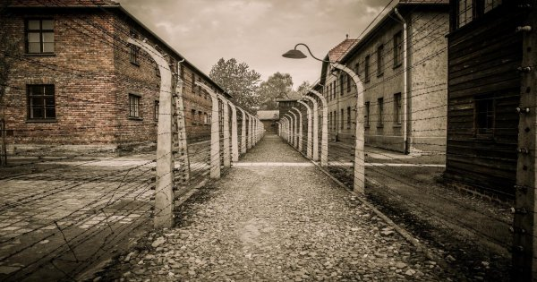 Auschwitz - Birkenau Full Day Guided Tour
