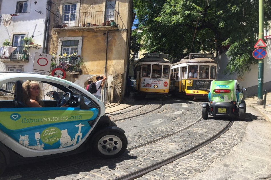 Belém Tour in Lisbon by Electric Car (Twizy) with GPS Audio Guide