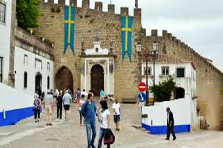 Óbidos - Medieval city from Lisbon