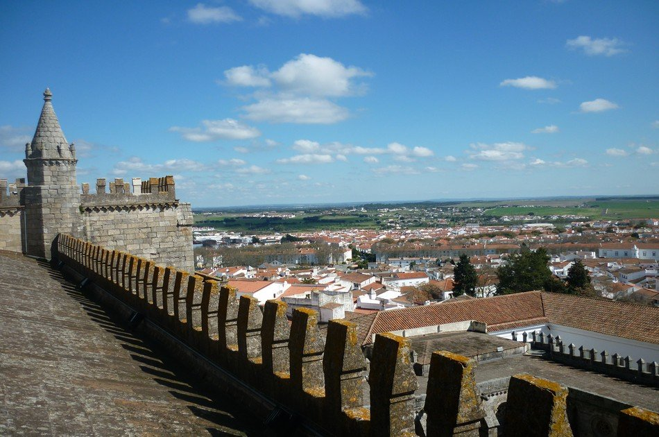 Evora and Megalithic Circuit Private Full Day Tour
