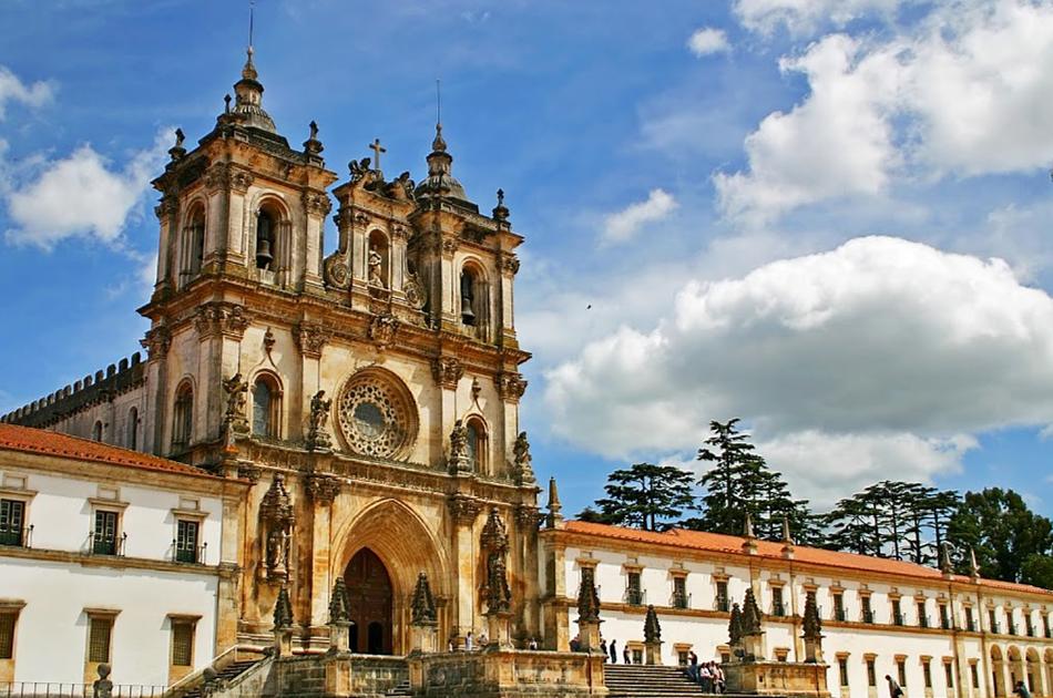 Fátima-Batalha-Nazaré-Óbidos Private Full Day Tour