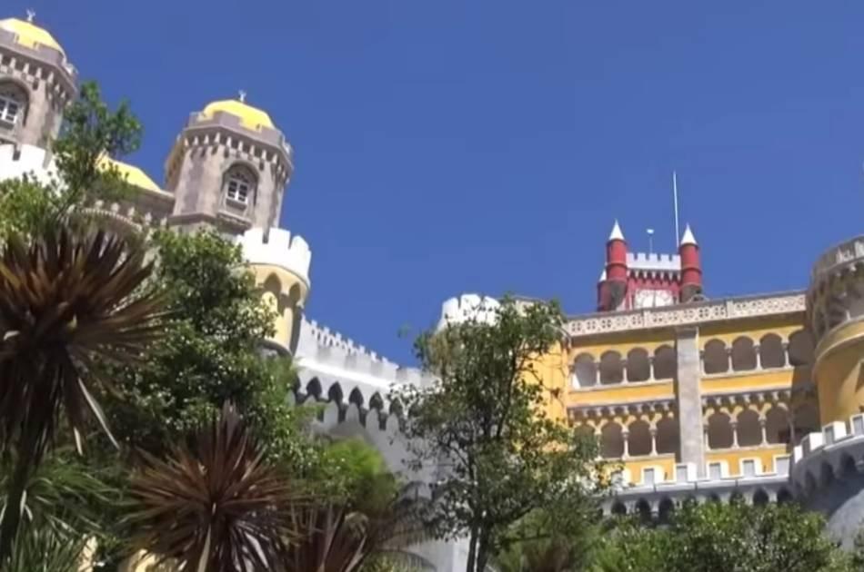 Full Day Private Cascias, Sintra and Quelez Tour (VAN)