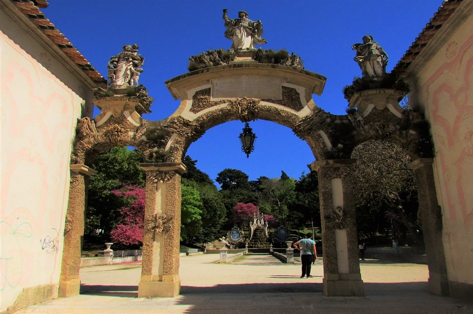Full Day Private Tour to Fátima Sanctuary and Coimbra