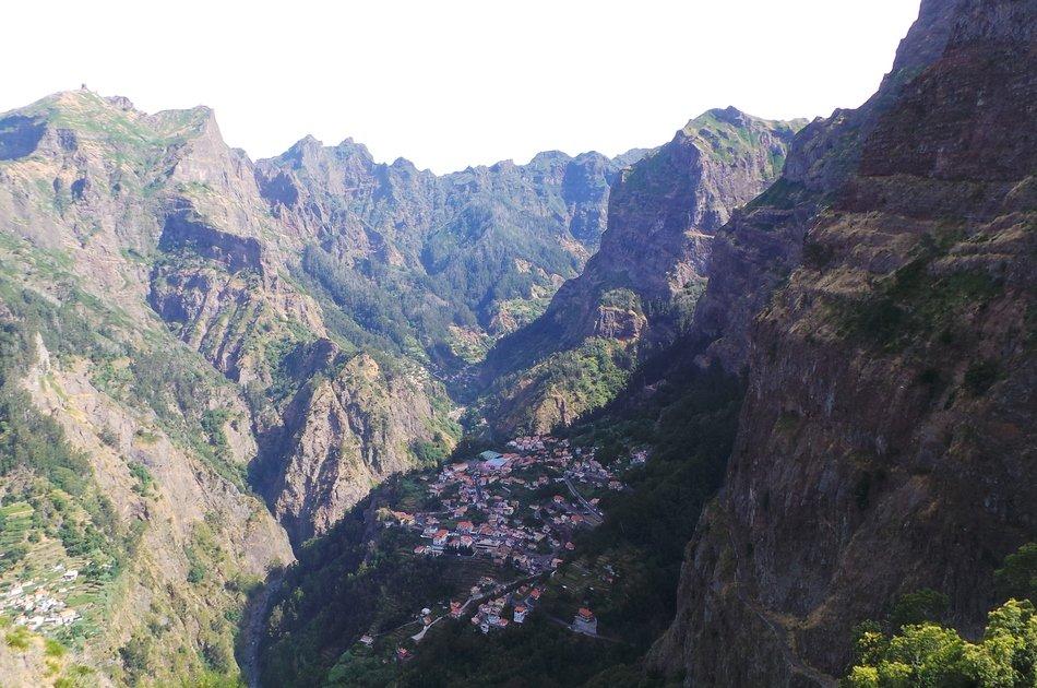 Nun's Valley & Pico Do Arieiro - Open Roof 4x4 Tour