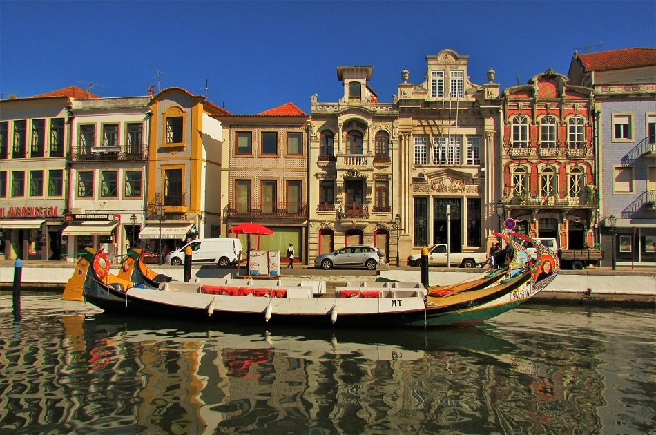 Private Full Day Tour to Explore the 'Portuguese Venice', Aveiro, Including Paiva Walkway