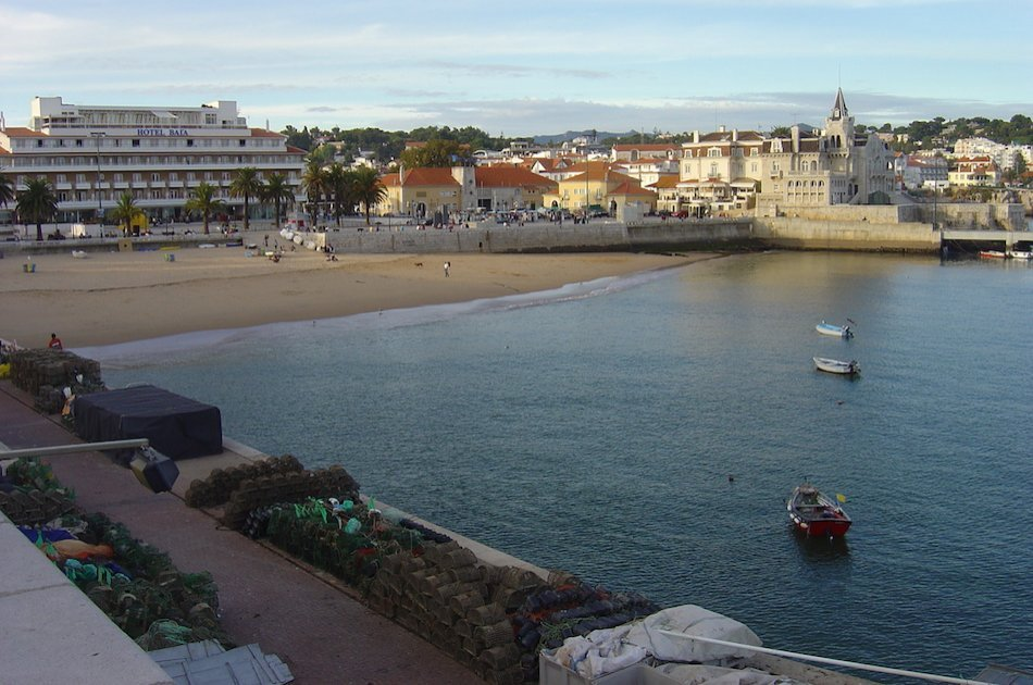 Private Transfer from Cascais to Lisbon Airport