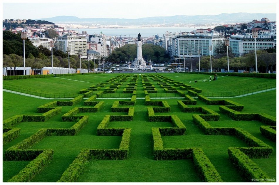 Small Group Private Lisbon Sightseeing Tour