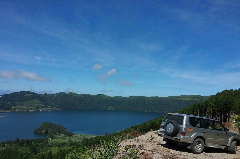 Tailored & Private Jeep Tour of the Azores
