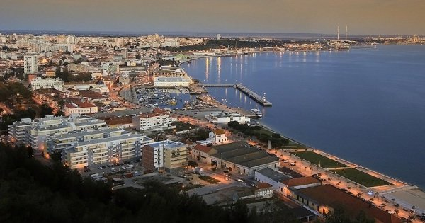 Transfer from Lisbon Airport to Setúbal