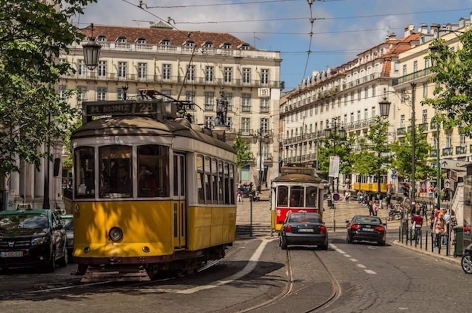 Transfer from Lisbon to Lisbon Airport