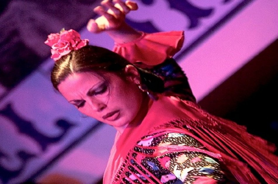 Authentic Flamenco Show in the Caves of Sacromonte