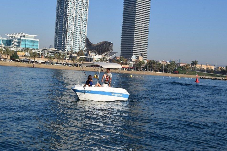 Barcelona Coastal Boat Rental - No Licence Needed