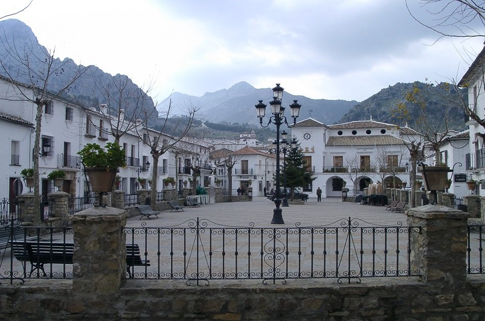 Full Day Private Tour: White Villages and Ronda from Seville