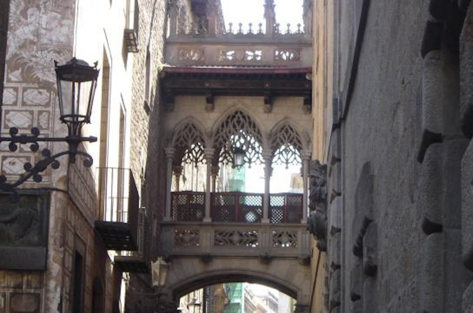 Gothic Quarter with Picasso Museum Semi Private Tour