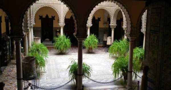 Private Pilato's House and Lebrija Palace Tour