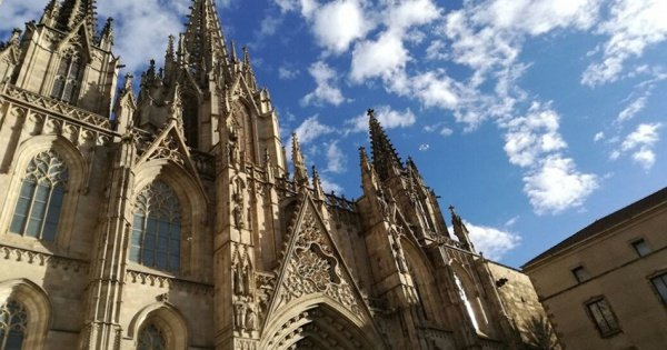 Private Tour of Barrio Gotico and Sagrada Familia from the Outside in Barcelona