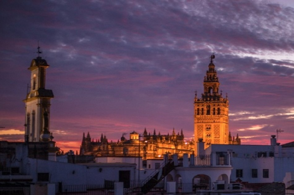 Private View of Seville From The Rooftops
