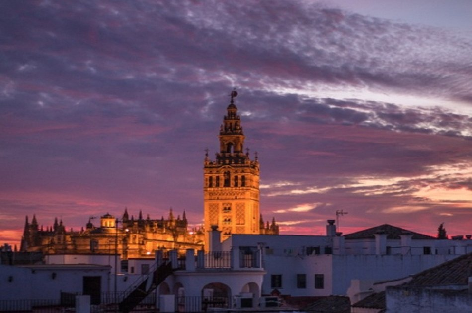 Semi Private Cathedral and Alcazar Tour From Seville