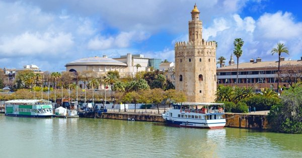 Seville Breakfast Tour and Cruise on Guadalquivir