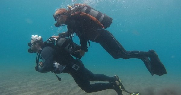 Try 40 minutes of Diving for beginners in Los Cristianos
