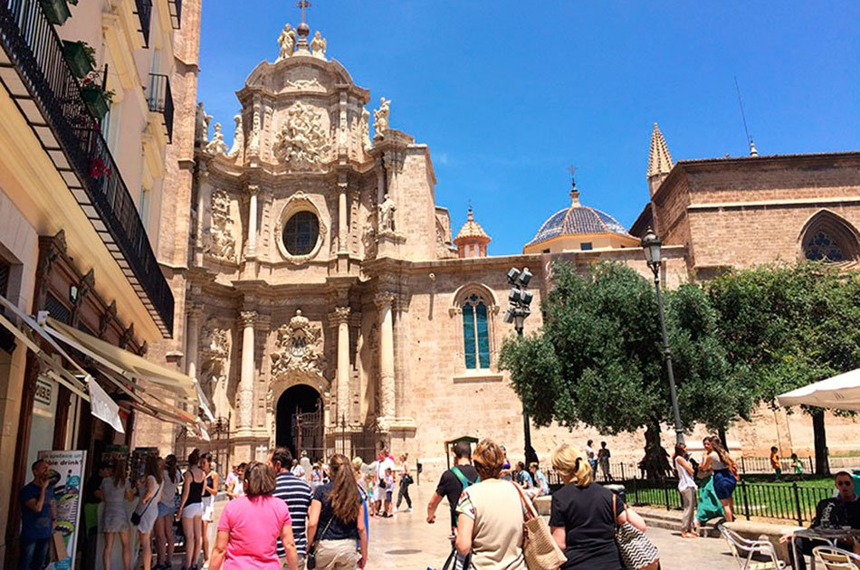 Valencia Historical Guided Tour and Traditional Meal