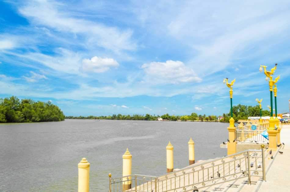 Chachoengsao Day Tour With a Friendly Local