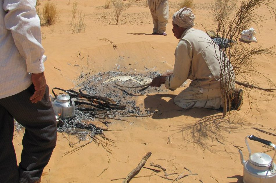2-Day Sahara Desert Camel Trek in Tunisia