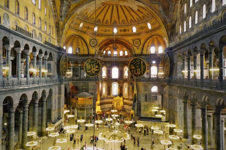 8 Day Tour of Istanbul, Pamukkale, Ephesus and Cappadocia By Plane