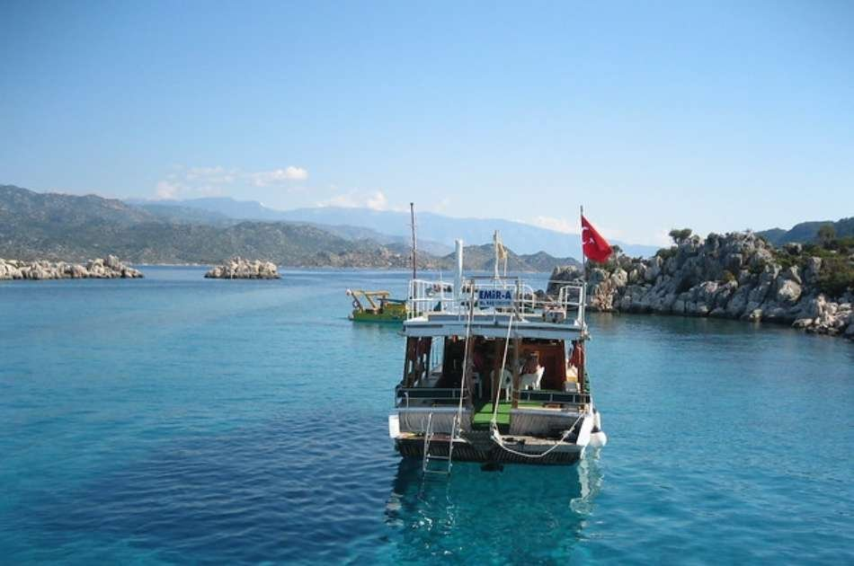 Adventure and Romance on This Honeymoon Tour at Kash