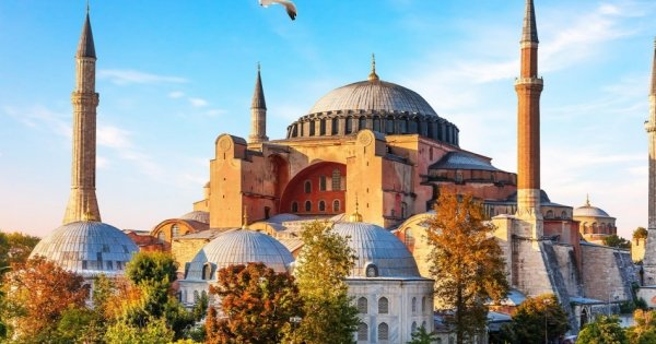 Byzantine & Ottoman Marvels In Half-Day Private Tour