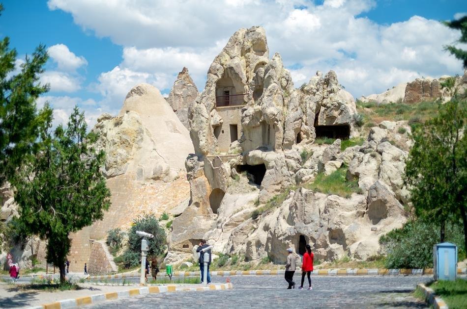 Full-Day Cappadocia Tour with Sunrise Hot Air Balloon Ride