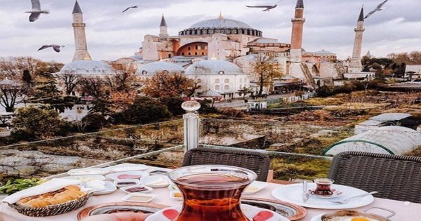 Istanbul on a One Day Tour Including Topkapi Palace and Hagia Sophia