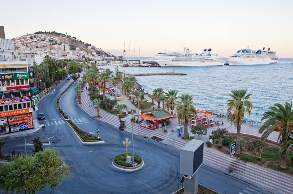 Izmir Airport Private Arrival Transfer to Kusadasi