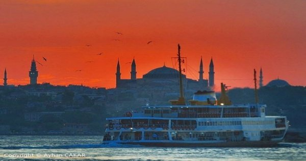 The Exciting Bosphorus Cruise Visiting the Egyptian Bazaar on an Istanbul Guided Tour