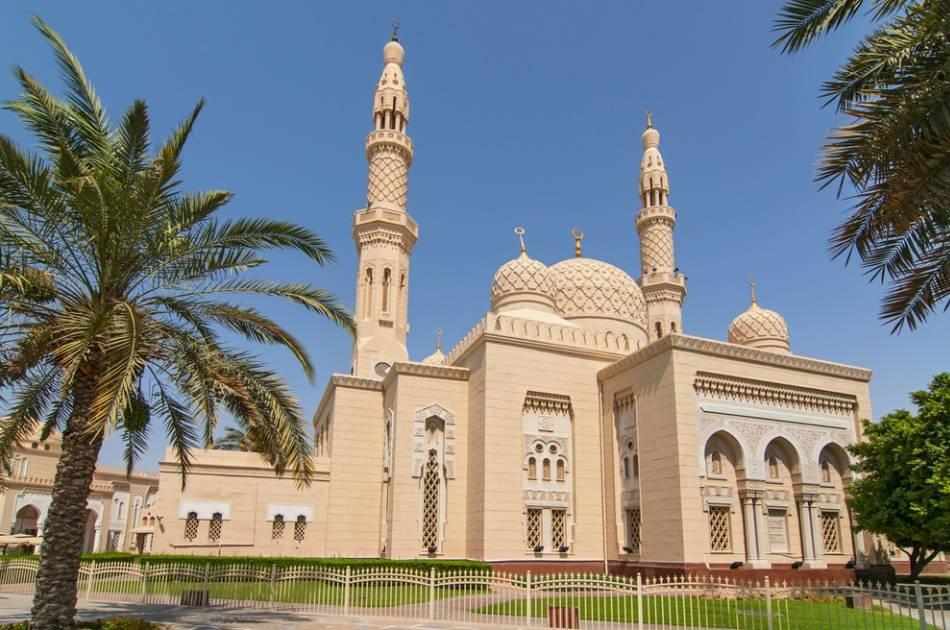 3 Day stopover in Dubai With Safari and a Tour of Dubai