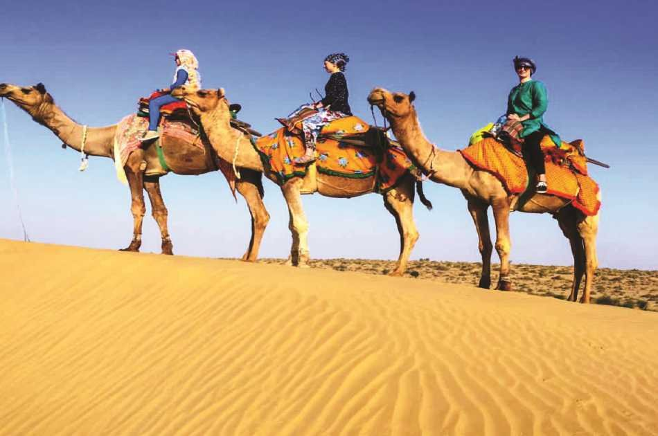 4x4 Desert Safari With BBQ Dinner From Dubai