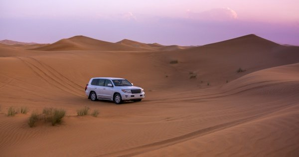 Private 4x4 Dubai Desert Safari with Dinner