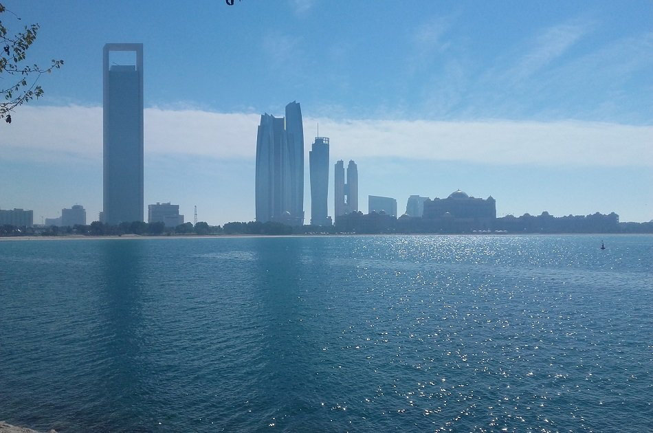 Private Abu Dhabi Full-day with Car and Driver