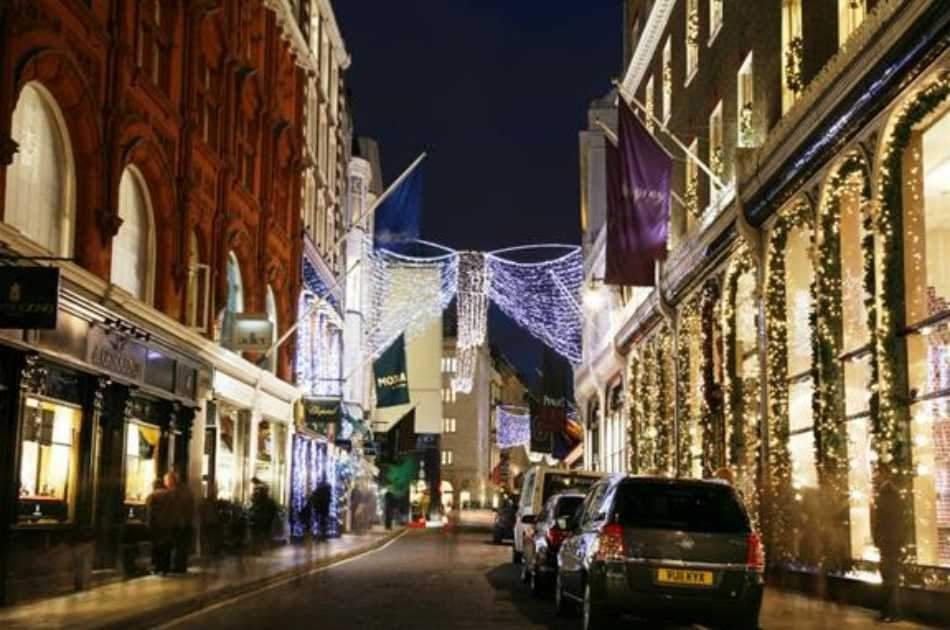 Christmas Eve in London With Dinner and Midnight Mass