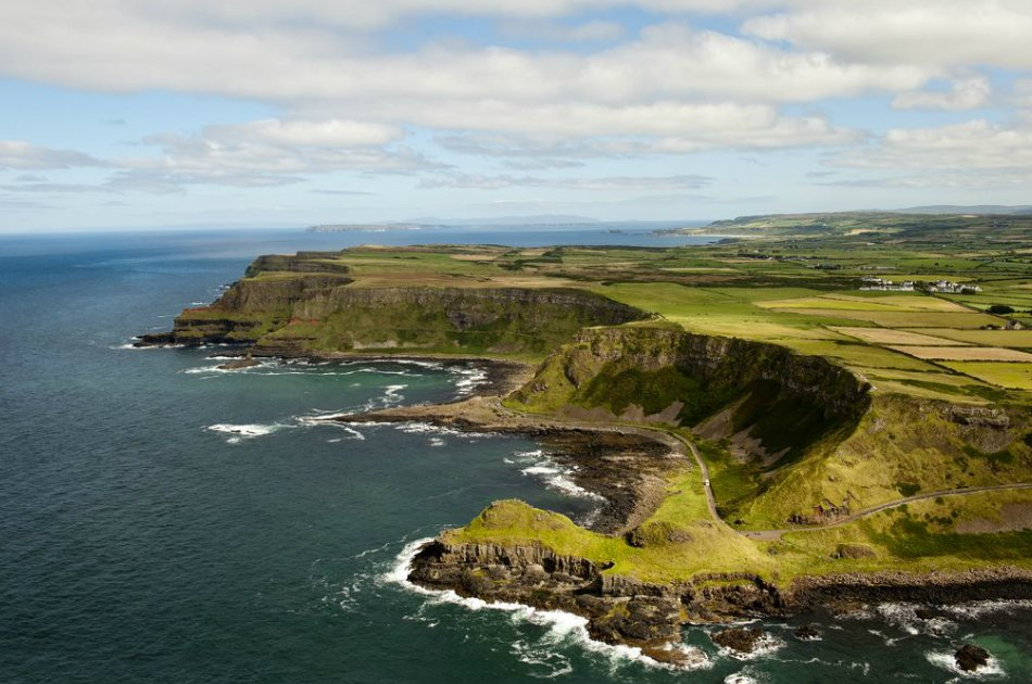 Giant's Causeway and Titanic Experience or Touring Exhibition from Belfast port