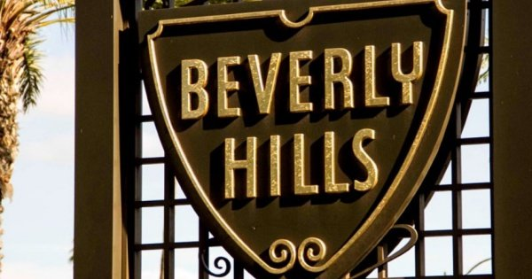 Drive Up Rodeo Drive on this Open Top Beverly Hills Tour