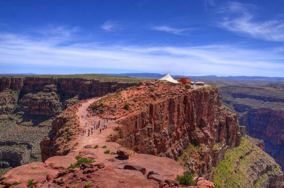 Grand Canyon West Rim Tour with Helicopter and Pontoon Ride