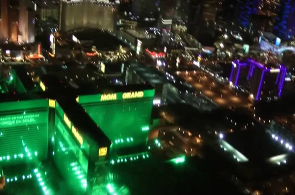 Helicopter Flight Over Las Vegas at Dusk Including Limousine Transfers