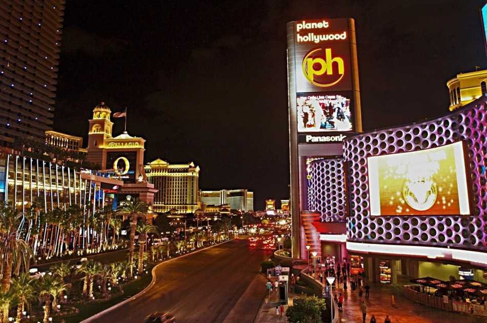 Las Vegas Night Strip Sightseeing Tour Including Champagne
