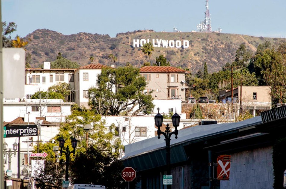 See Celebrity Homes on an Open Bus Hollywood Tour