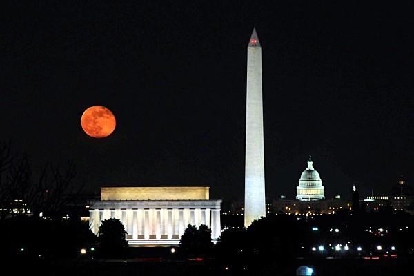 Washington, D.C. the Lights Night Tour