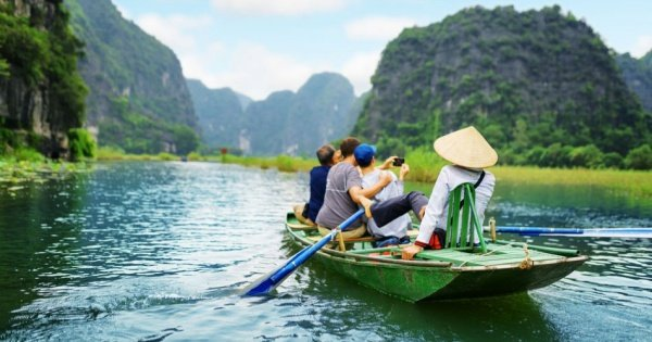 3 Day 2 nights Group Tour of Hanoi - Ninh Binh - Halong