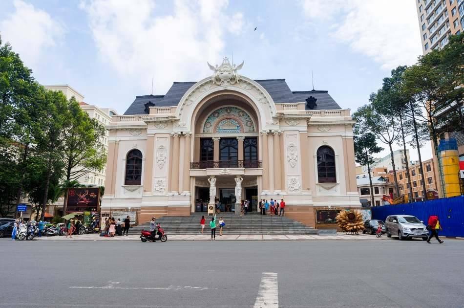 A O Show in Saigon