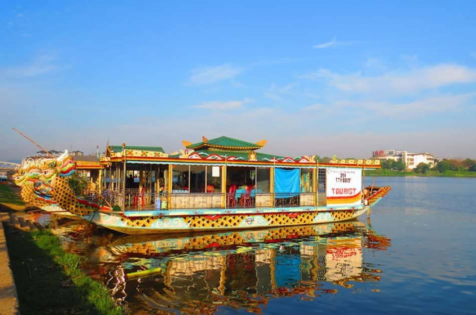 Boat Trip & Folk Song Romantic Perfume River